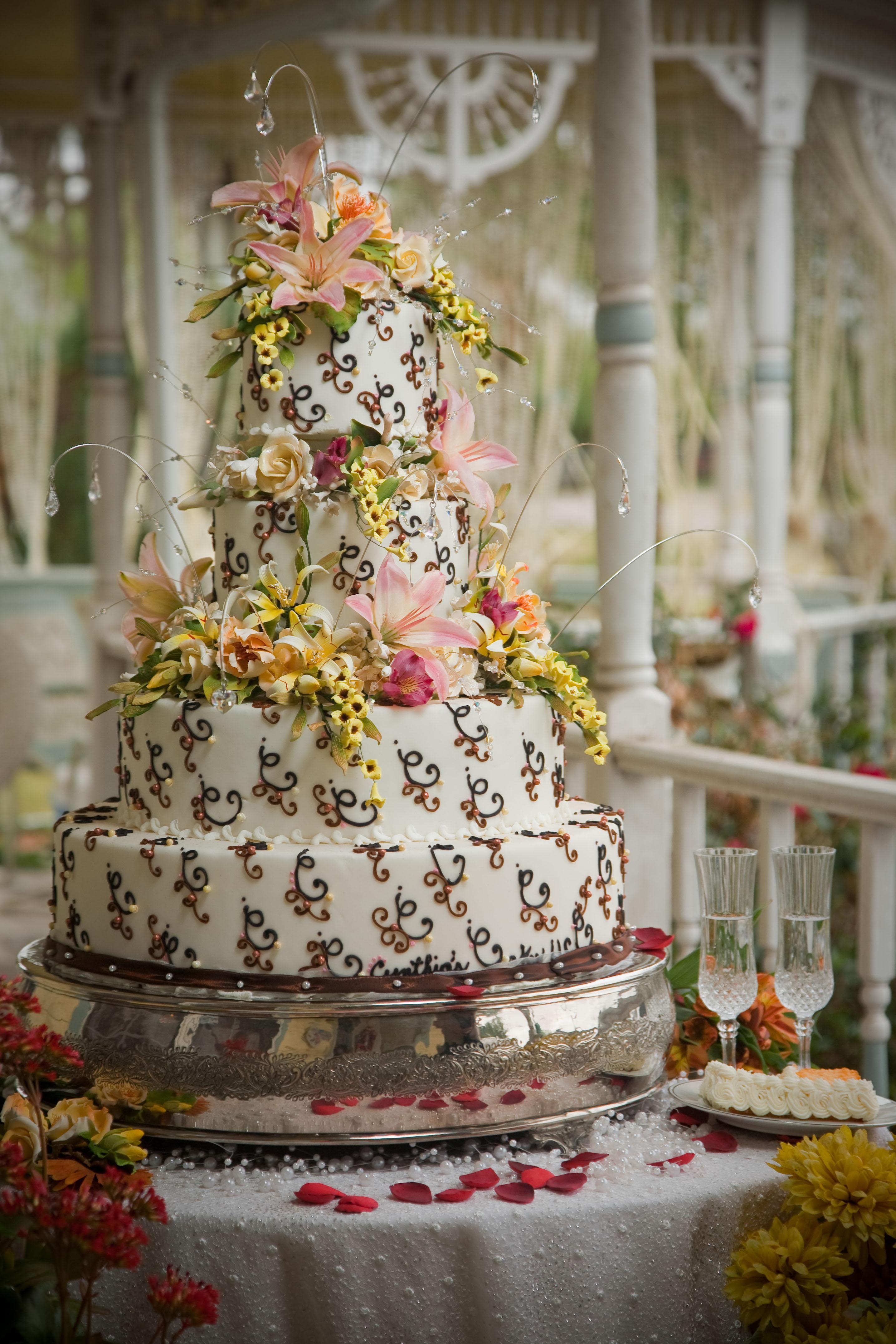 Outdoor Wedding Cake Under The Gazebo 187 Cynthias Cakes Llc